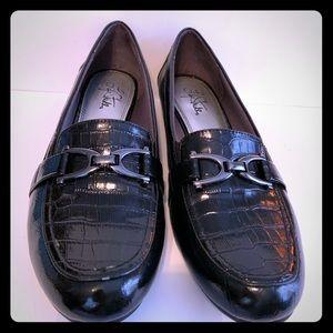 Life stride Leather loafer